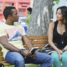 Pretty Little Liars: Sterling Sulieman e Shay Mitchell nell'episodio Birds of a Feather