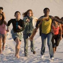 Il console italiano: Giuliana De Sio insieme a Lira Kohl fuggono in una scena del film