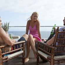Le belve: Blake Lively, Taylor Kitsch e Aaron Johnson in una scena del film