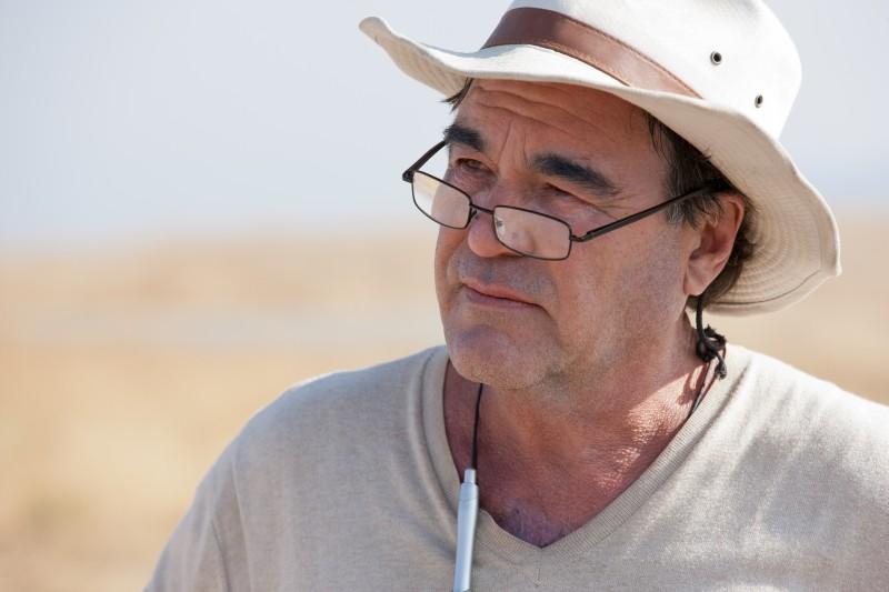 Le belve: il regista Oliver Stone sul set del film