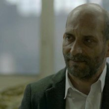 Sebastiano Filocamo in una sequenza 'Tutti i rumori del mare' (2012) di Federico Brugia