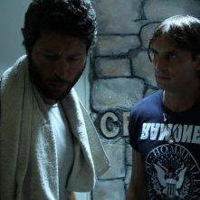 Cronaca di un Assurdo Normale: Alberto Tordi e Claudio Del Falco in una scena del film