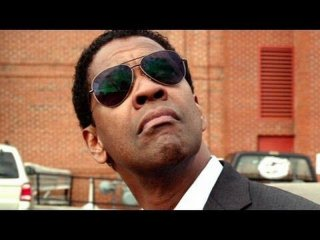 Flight: Denzel Washington in una scena del thriller d'azione diretto da Robert Zemeckis