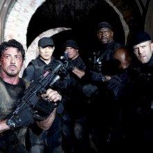 I mercenari 2: Sylvester Stallone, Jet Li, Randy Couture, Jason Statham e Terry Crews in una scena del film