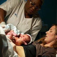 Travolti dalla cicogna: Louise Bourgoin qualche istante dopo il parto in una scena del film