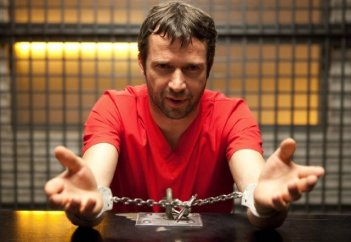 The Following: James Purefoy in una scena della serie