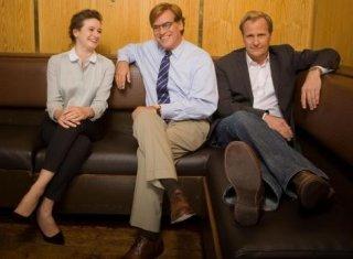 The Newsroom: Aaron Sorkin, Jeff Daniels e Emily Mortimer in una foto promozionale per la stagione 1