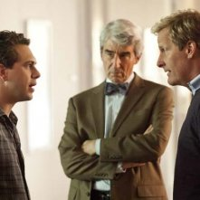 The Newsroom: Thomas Sadoski, Jeff Daniels e Sam Waterston in una scena dell'episodio 'We Just Decided To'