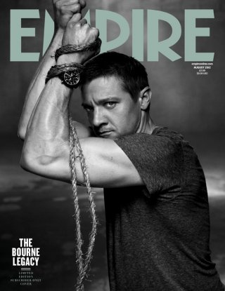 The Bourne Legacy: un'intensa immagine di Jeremy Renner sulla copertina di Empire
