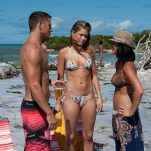 Cody Horn e Olivia Munn in Magic Mike con Channing Tatum
