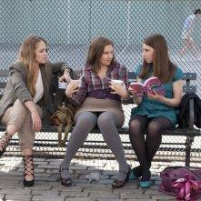 Girls: Jemima Kirke, Lena Dunham e Allison Williams in una scena della serie HBO