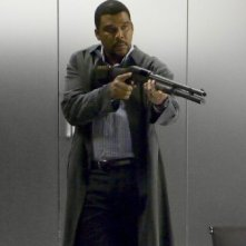 Tyler Perry imbraccia il fucile nella prima immagine di Alex cross
