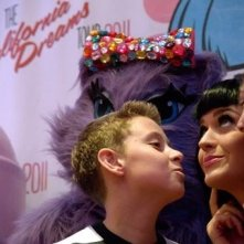 Katy Perry: Part of Me - Katy insieme a due bambini
