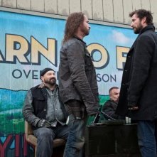 Falling Skies: Colin Cunningham e Noah Wyle nell'episodio Compass