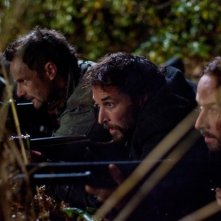Falling Skies: Noah Wyle e Colin Cunningham nell'episodio Compass