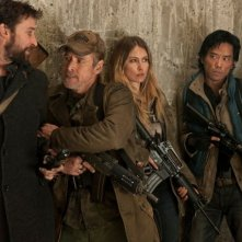 Falling Skies: Noah Wyle, Will Patton, Sarah Carter e Peter Shinkoda nell'episodio Young Bloods