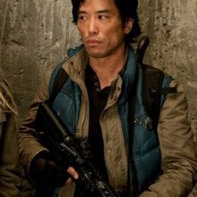 Falling Skies: Peter Shinkoda in una scena dell'episodio Young Bloods