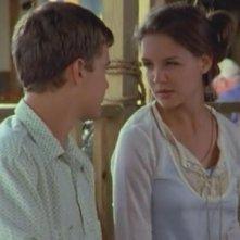 Katie Holmes e Joshua Jackson in un momento dell'episodio Momenti magici di Dawson's Creek