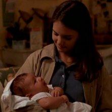 Katie Holmes in un momento dell'episodio Voci di corridoio della serie Dawson's Creek