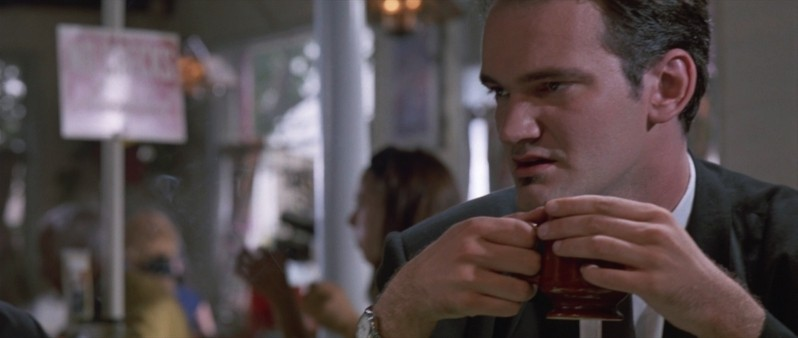 Quentin Tarantino è Mr. Brown in una scena de Le Iene