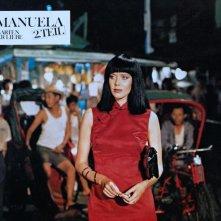 Un'esotica Sylvia Kristel in Emmanuelle 2: l'antivergine