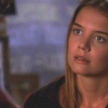 Katie Holmes in una scena dell'episodio Una vera occasione della serie tv Dawson's Creek