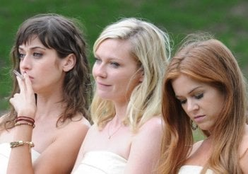 Bachelorette: le tre damigelle d'onore Kirsten Dunst, Isla Fisher e Lizzy Caplan
