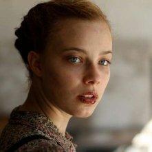 Lore: la protagonista Saskia Rosendahl in un bel primo piano tratto dal film