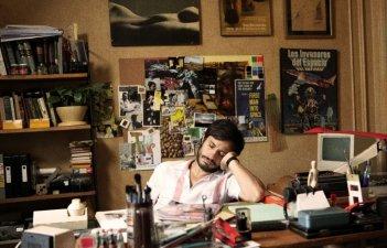 No: il protagonista Gael García Bernal in una scena del film
