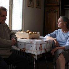 Quelques heures de printemps: Hélène Vincent insieme a Olivier Perrier in una scena del film