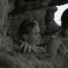 While We Were Here: Kate Bosworth e Jamie Blackley tra gli scogli in una scena