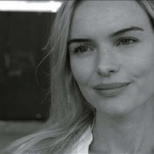 While We Were Here: la bellissima Kate Bosworth in un bel primo piano tratto dal film