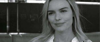 While We Were Here: la bellissima Kate Bosworth in un bel primo piano tratto dal film