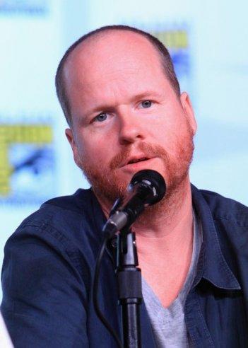 Joss Whedon alla reunion di Firefly al Comic-Con 2012 per il decimo anniversario della serie