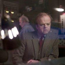 Berberian Sound Studio: il protagonsita Toby Jones in una scena del film nei panni di Gilderoy
