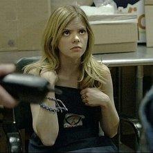 Compliance: Dreama Walker viene interrogata in una scena del film