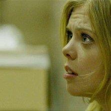Compliance: la protagonista Dreama Walker in una scena