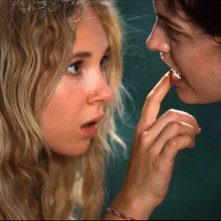 Jack and Diane: le due giovani protagoniste Juno Temple e Riley Keough in una scena