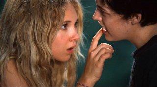 Jack and Diane: le due giovani protagoniste Juno Temple e Riley Keough in una scena