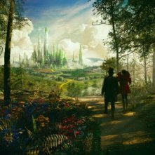 James Franco e Mila Kunis si dirigono verso Emerald City in una scena de Il grande e potente Oz