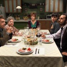 Come non detto: una scena di gruppo tratta dalla commedia diretta da Ivan Silvestrini