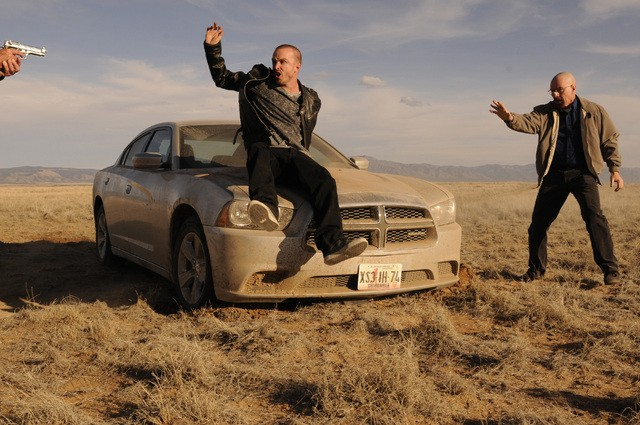 Breaking Bad: Aaron Paul e Bryan Cranston nell'episodio Live Free or Die