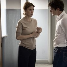 Il rosso e il blu: Margherita Buy insieme a Riccardo Scamarcio in una scena del film
