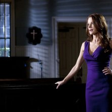 Pretty Little Liars: Ashley Benson e Laura Leighton nell'episodio Remains of the A