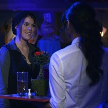 Pretty Little Liars: Lindsey Shaw e Shay Mitchell nell'episodio That Girl Is Poison
