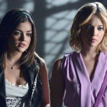 Pretty Little Liars: Lucy Hale ed Ashley Benson nell'episodio Crazy