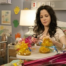 Weeds: Mary-Louise Parker in una scena dell'episodio A Beam of Sunshine