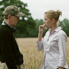 Woody: Woody Allen insieme a Scarlett Johansson durante le riprese di Match Point in una scena del documentario