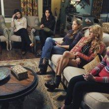 Make it or Break it: riunione a casa del coach per le ragazze nell'episodio Time Is of the Essence