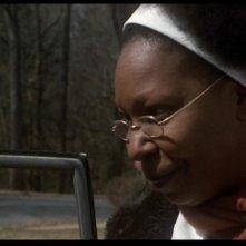 Whoopi Goldberg in una scena del film Ragazze Interrotte